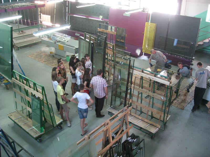 Процесс сборки и герметизации стеклопакетов