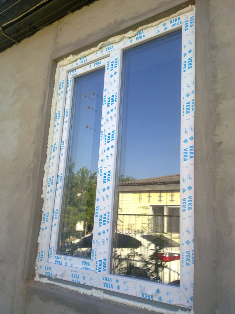 Окно класса Lux после монтажа у клиента (вид с улицы)