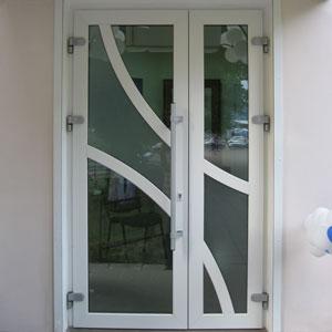Штульповые входные двери Classic с офисной ручкой